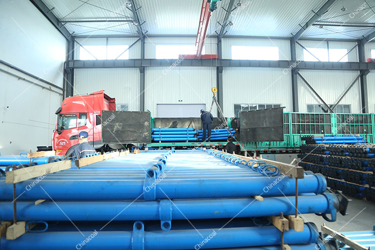 China Coal Group Sent Minnig Material Cars And Hydraulic Props To Dazhou, Sichuan And Jinzhong, Shanxi